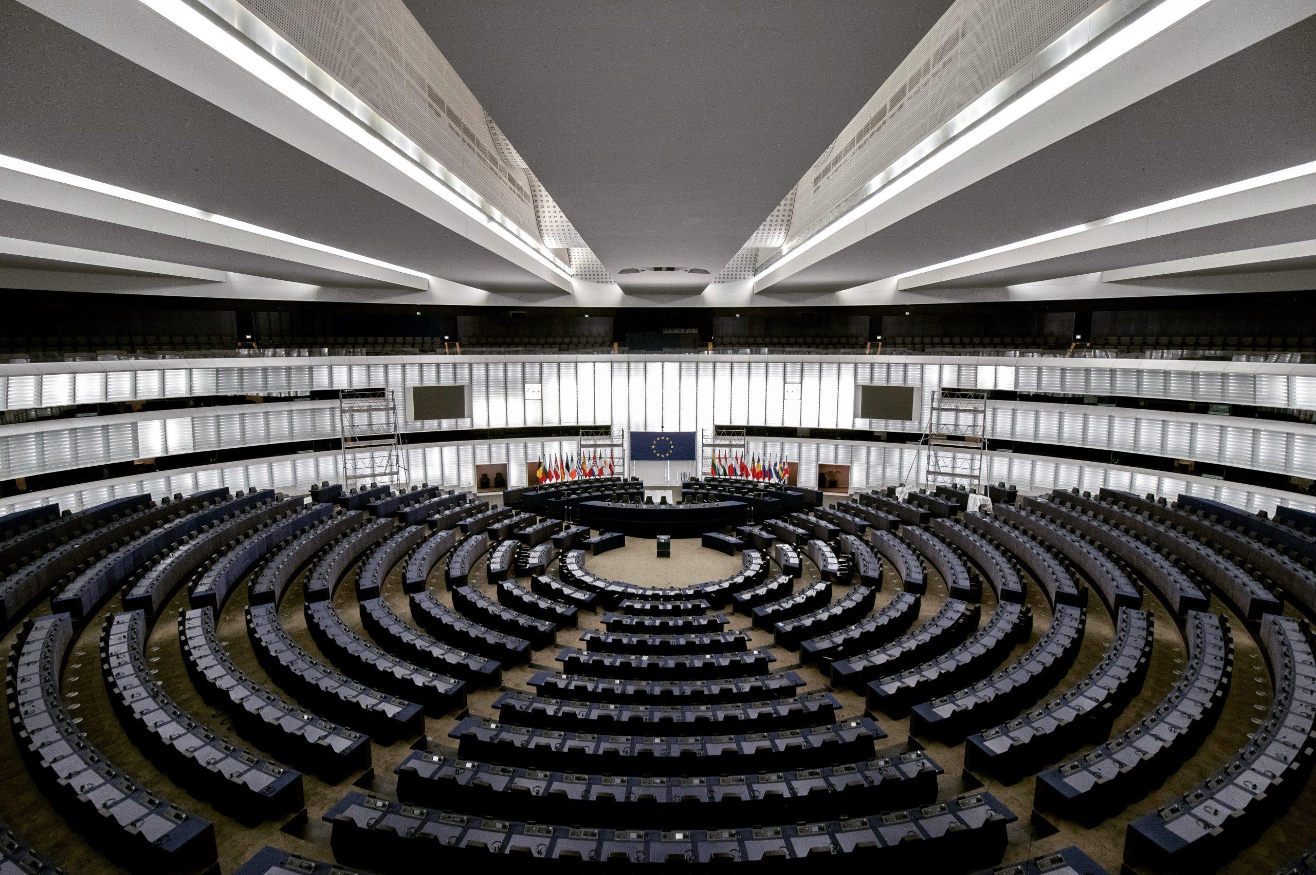 Európsky parlament v boji proti praniu špinavých peňazí