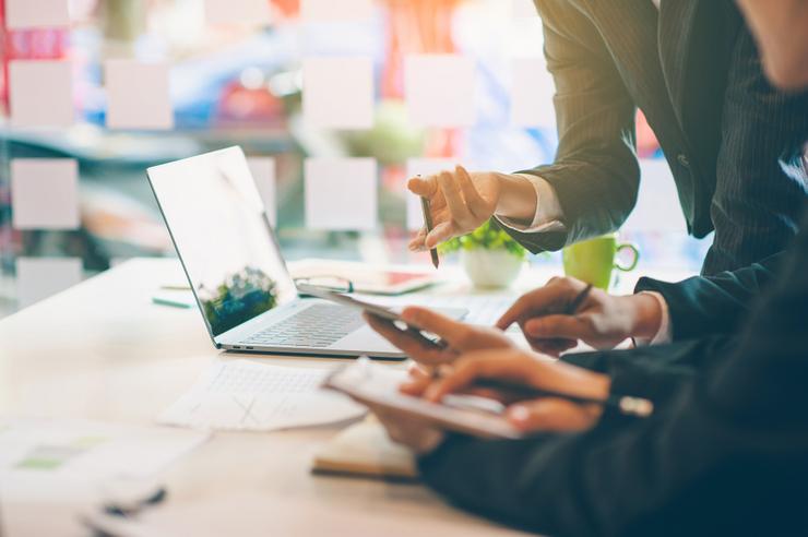 Dáta vo firme: Ako efektívne riadiť tok podnikových informácií?